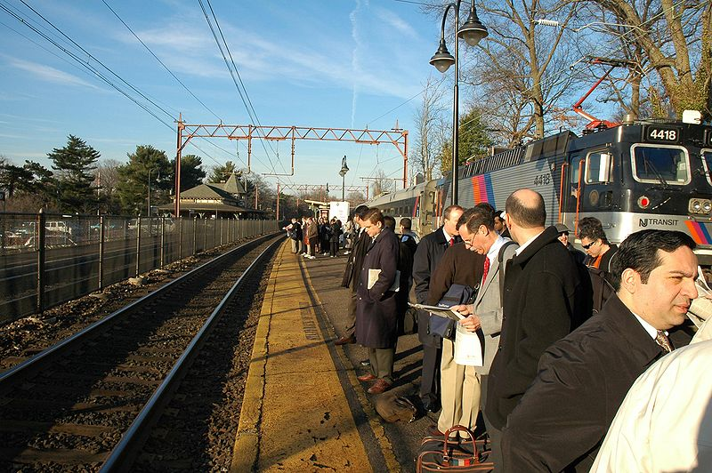 Commuters_in_Maplewood_NJ